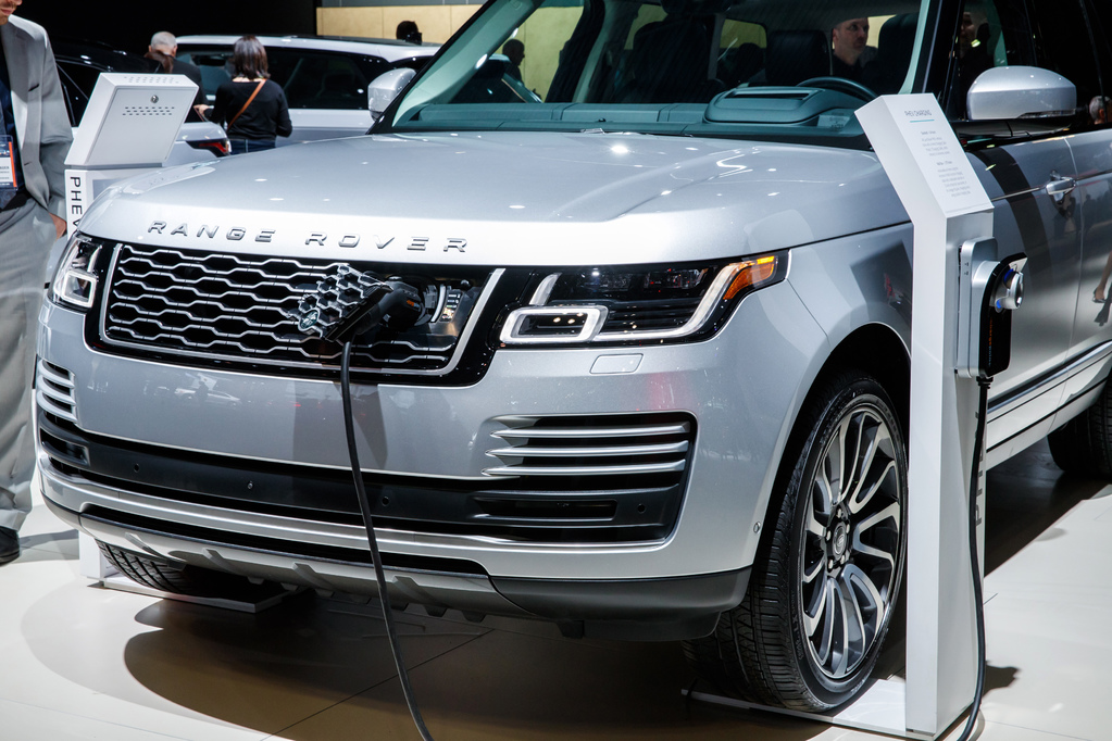Photo of plug-in electric Land Rover.